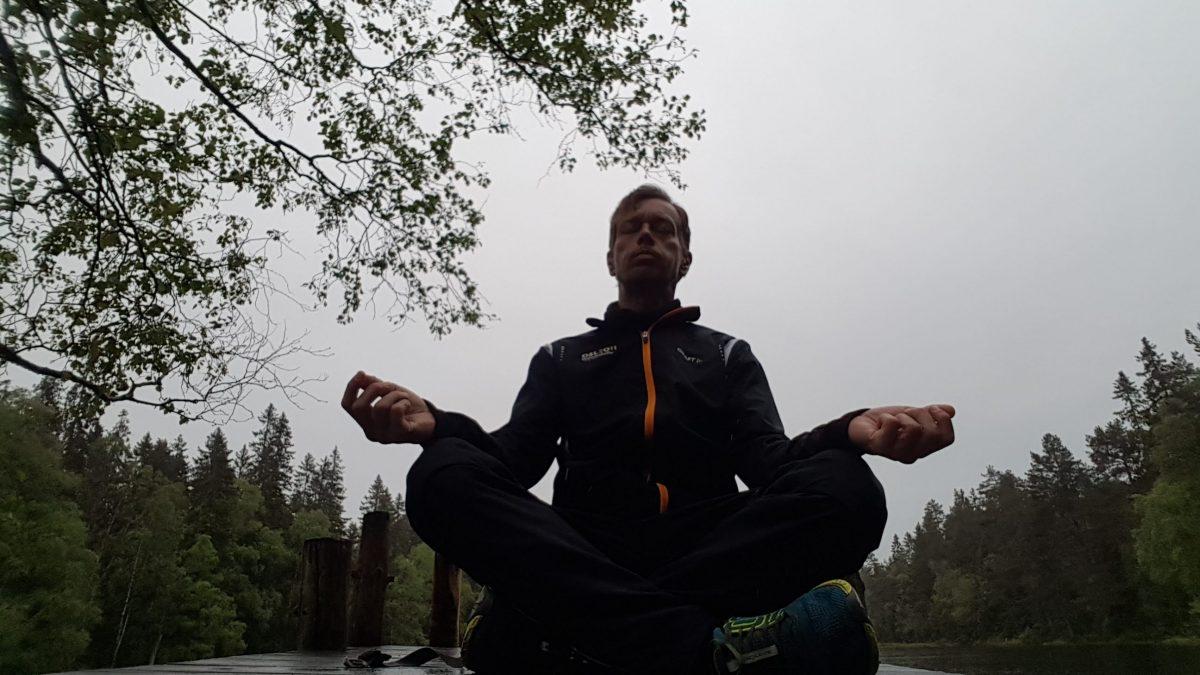 fokuser på pusten – observer pusten – observer dine tanker – observer deg selv